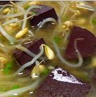 豆芽猪血汤怎么做_家常豆芽猪血汤怎么做好吃
