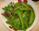 荷兰豆炒红肠