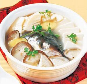 鱼头豆腐汤的做法_如何做好喝鱼头豆腐汤