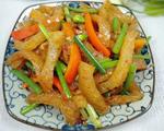 韭菜苔炒猪皮