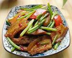 韭菜苔炒回锅肉