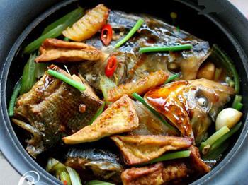 酱做法的鱼头家常_酱鱼头做好吃_家帝王蟹卵可以吃吗图片