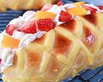 淡奶油水果网纹面包