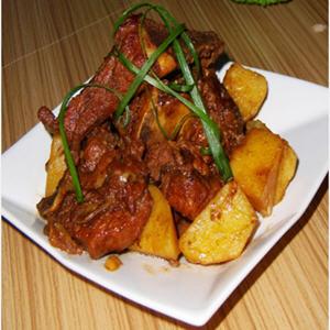 冰糖微波炉_红烧排骨炖土豆的做法教你怎么做好吃-聚餐网