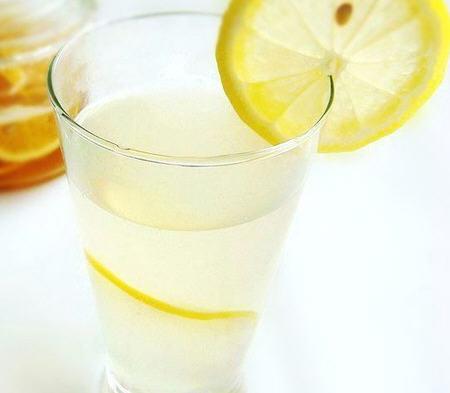 經期能喝檸檬蜂蜜水_經期喝檸檬蜂蜜水好_經期檸檬 ...