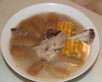 竹荪玉米腿骨汤