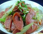 芹菜炒烤肉肠