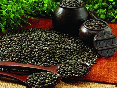 多吃黑豆能减掉小肚腩