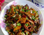 藕丁香菇红烧肉