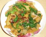 土豆片炒芹菜叶