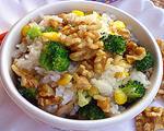 核桃鸡肉糯米饭