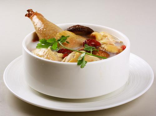 老母鸡汤的功效和营养价值