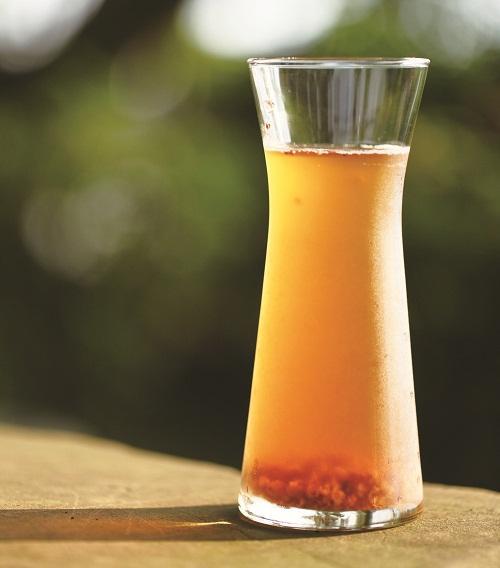 龙眼蜜与龙眼花茶是夏日凉爽绝配。