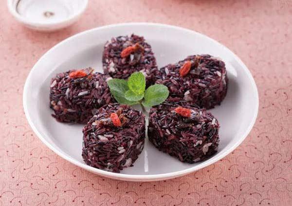 洋葱冰食谱:高纤紫米糕。(图片/人类智库提供)