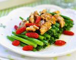 韭菜枸杞伴核桃(补肾养生)