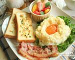 周末早午餐蓬蓬太阳蛋