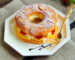 草莓泡芙甜甜圈
