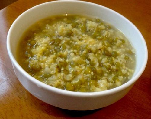 绿豆小米粥的功效