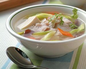 金针笋豆腐鱼片汤