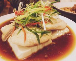 清蒸豆腐鲷鱼