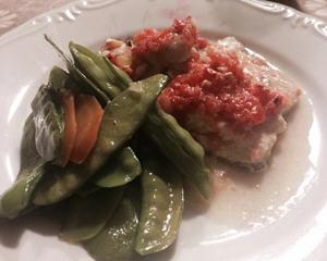 茄汁奶油烤鲈鱼