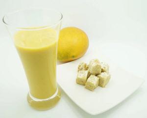 芒果天贝饮果汁