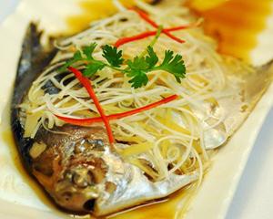 清蒸平鱼的丸子家常_在家做清蒸做法平鱼给最好怎样做宝宝鳕鱼图片