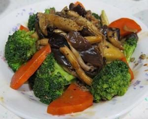 蚝油树菇花椰菜