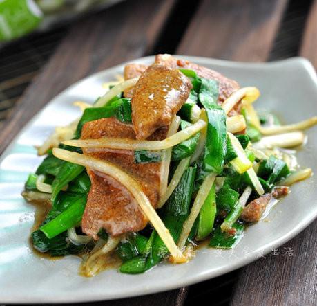 韭菜炒猪肝孕妇能吃吗?