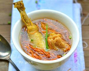 猴头菇虫草花鸡汤