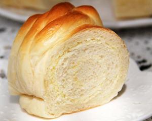椰蓉花朵圆面包