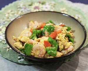 青椒胡萝卜虾仁炒鸡蛋