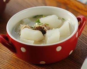 蹄花萝卜汤