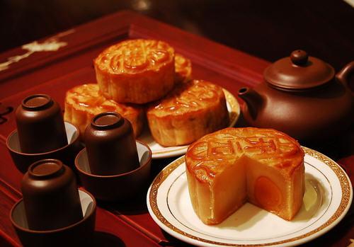 月饼的来历 中秋节吃月饼的由来分析 生活百科