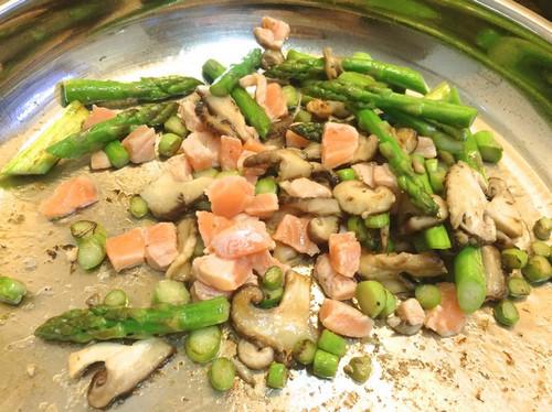 鲑鱼芦笋奶油饭
