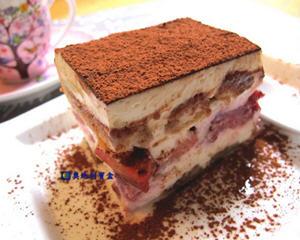 鲜草莓提拉米苏