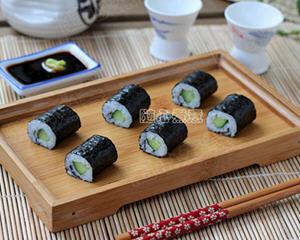 黄瓜小卷寿司