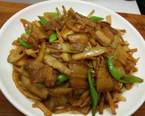 酸笋烧回锅肉
