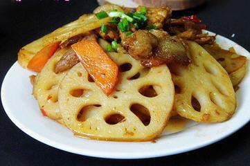 回锅肉烩藕片