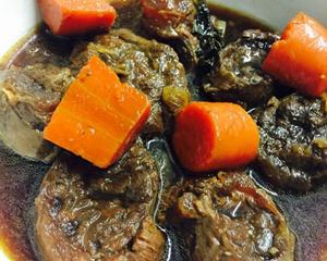 水果炖牛肉