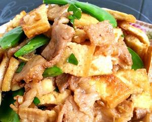 五花肉炒煎豆腐荷兰豆