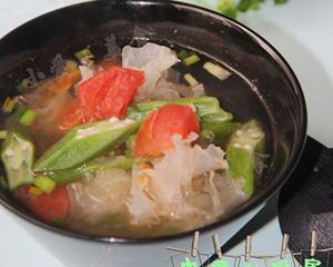 银耳番茄秋葵汤