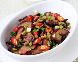 酸豇豆炒腊肉