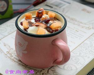 哈密瓜蔓越莓酸奶杯