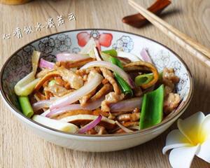 洋葱肉丝炒豆干