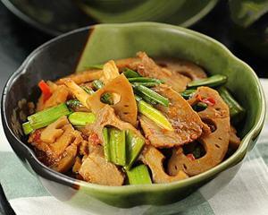 卤藕回锅牛肉
