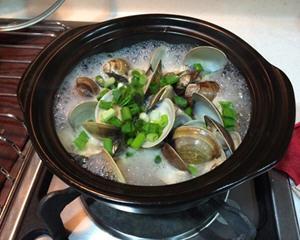 土锅蒸蛤蛎