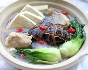 家常鸡汤豆腐小白菜