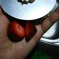 草莓圣诞老人、圣诞雪人的做法 步骤1