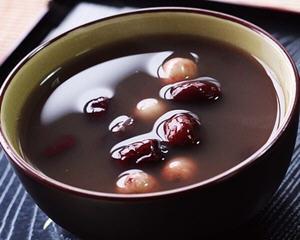 红枣莲子赤豆汤